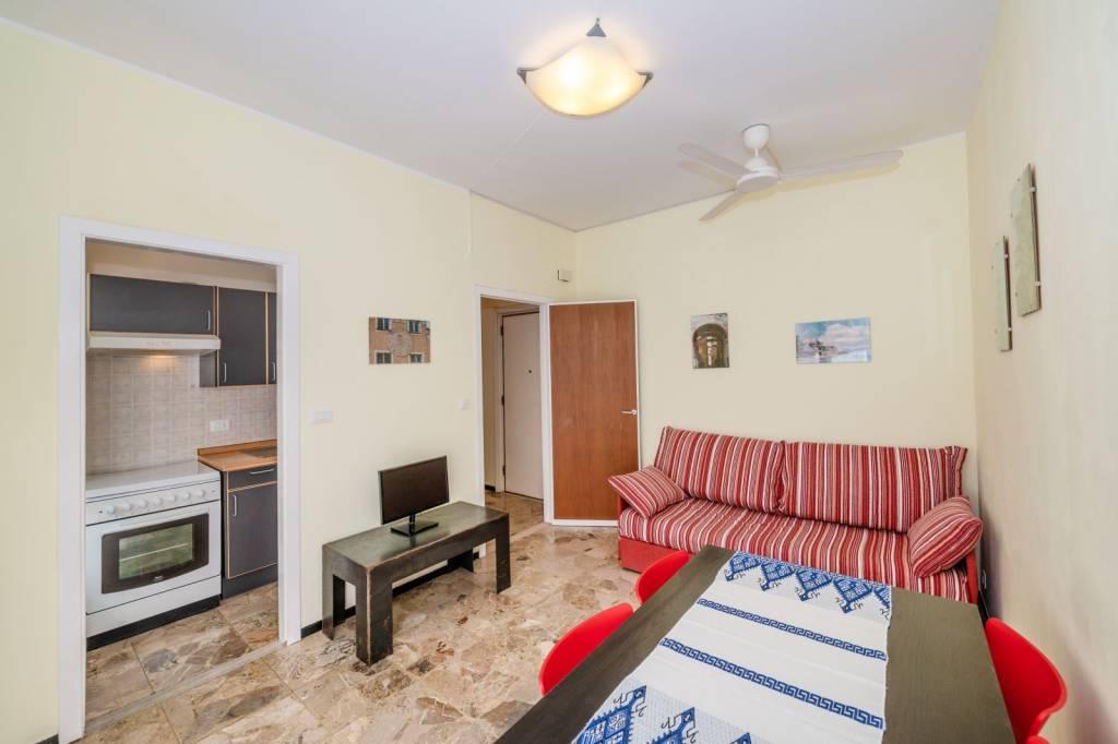 Appartamento in buone condizioni parzialmente arredato in vendita Rif. 9227666