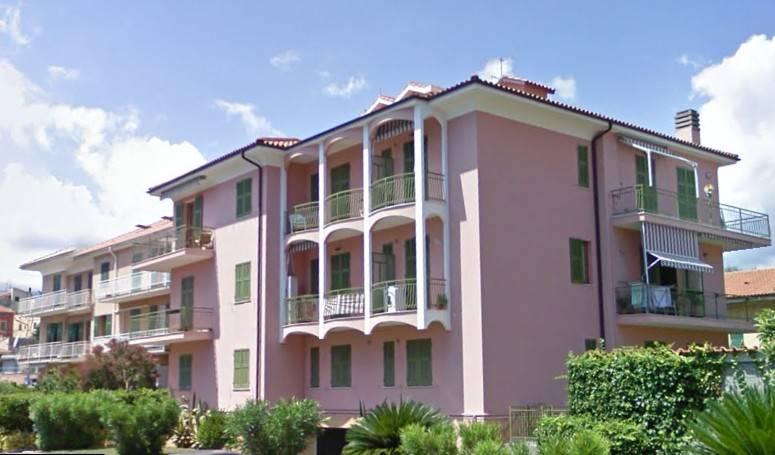 Appartamento in buone condizioni arredato in vendita Rif. 9224992