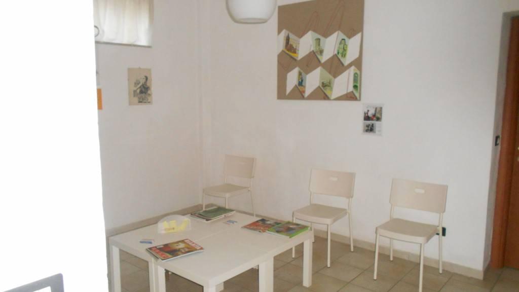 Appartamento in buone condizioni in affitto Rif. 9232676