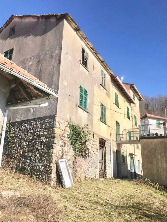 Foto 1 di Rustico / Casale Località Acquabuona Inferiore 23, Torriglia