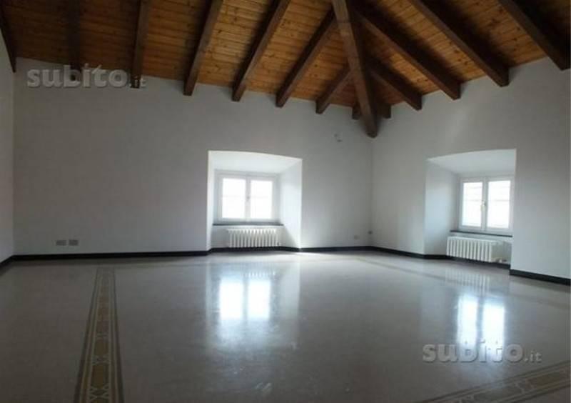 Appartamento in ottime condizioni in affitto Rif. 9247853