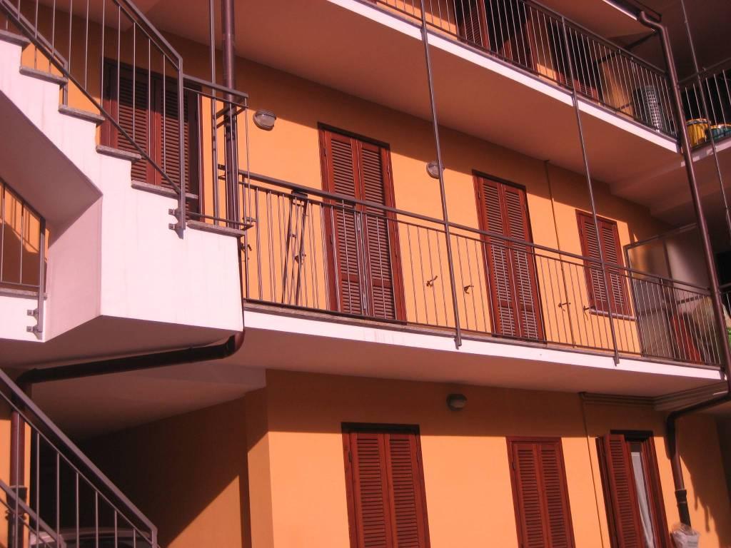 Appartamento in ottime condizioni in affitto Rif. 9242538