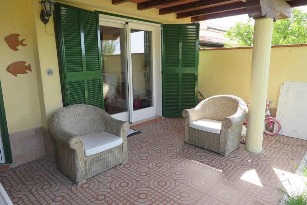 Appartamento in ottime condizioni in vendita Rif. 9242086