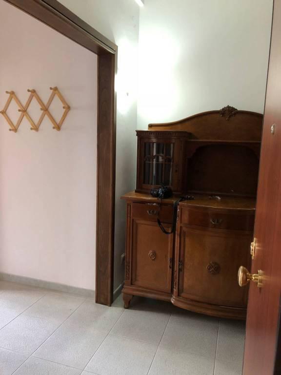 Appartamento in ottime condizioni in affitto Rif. 9247182