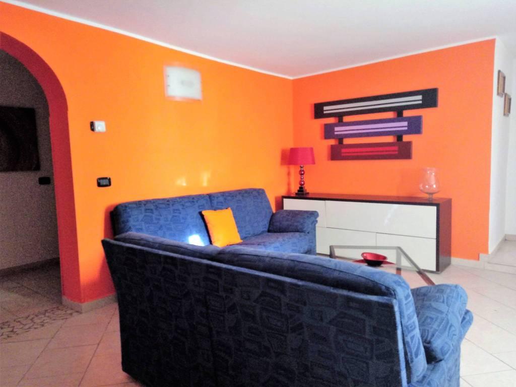 Appartamento in ottime condizioni arredato in affitto Rif. 9245257