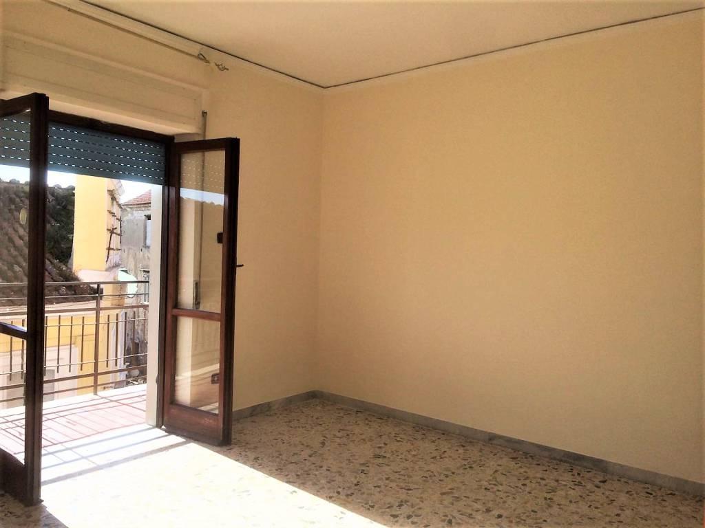 Appartamento in buone condizioni in affitto Rif. 9246880