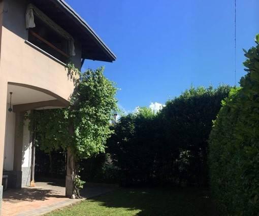 Villa in buone condizioni in vendita Rif. 9243273