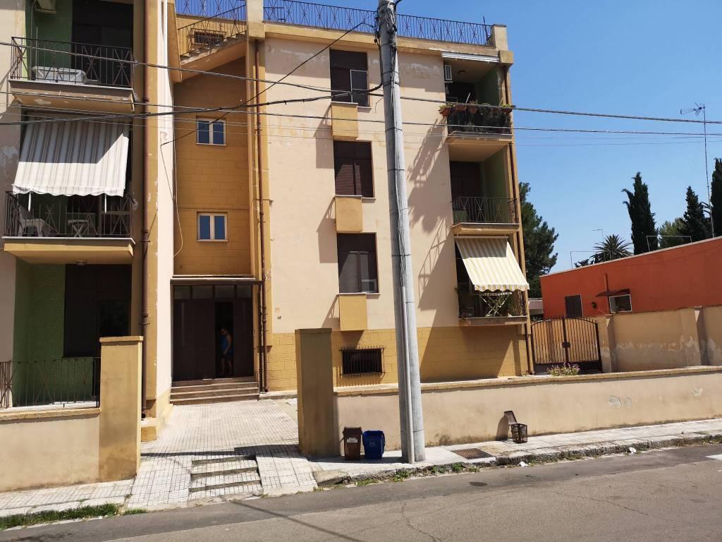 Appartamento in vendita a Salice Salentino, 4 locali, prezzo € 45.000 | CambioCasa.it