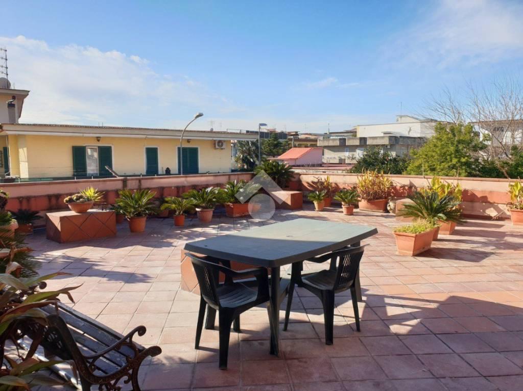 Appartamento in buone condizioni in vendita Rif. 9245812