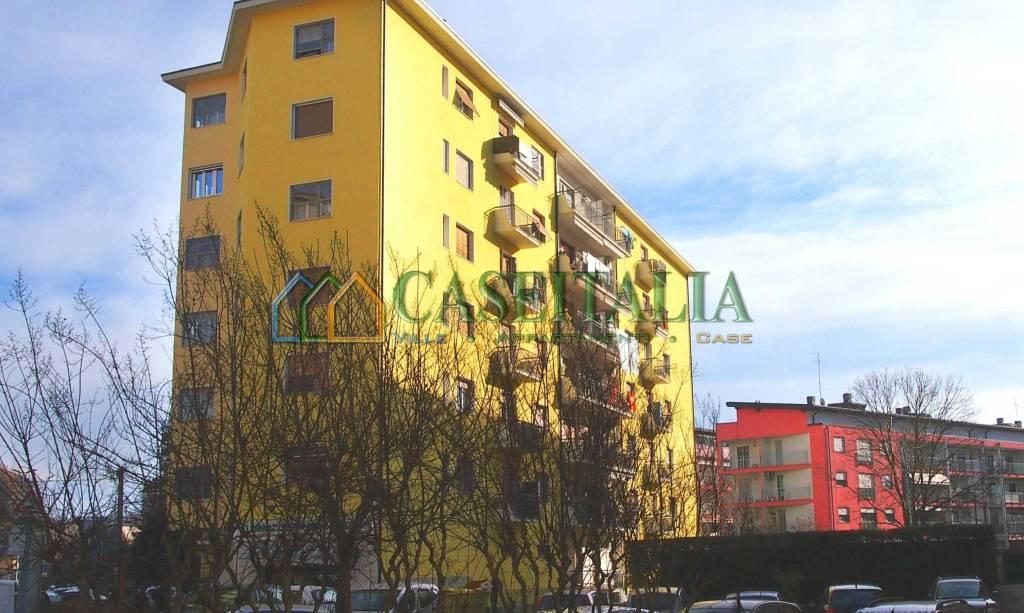 Appartamento in buone condizioni in vendita Rif. 9244067