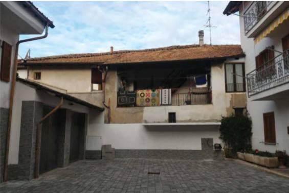 Appartamento in vendita a Valmorea, 5 locali, prezzo € 30.000 | CambioCasa.it