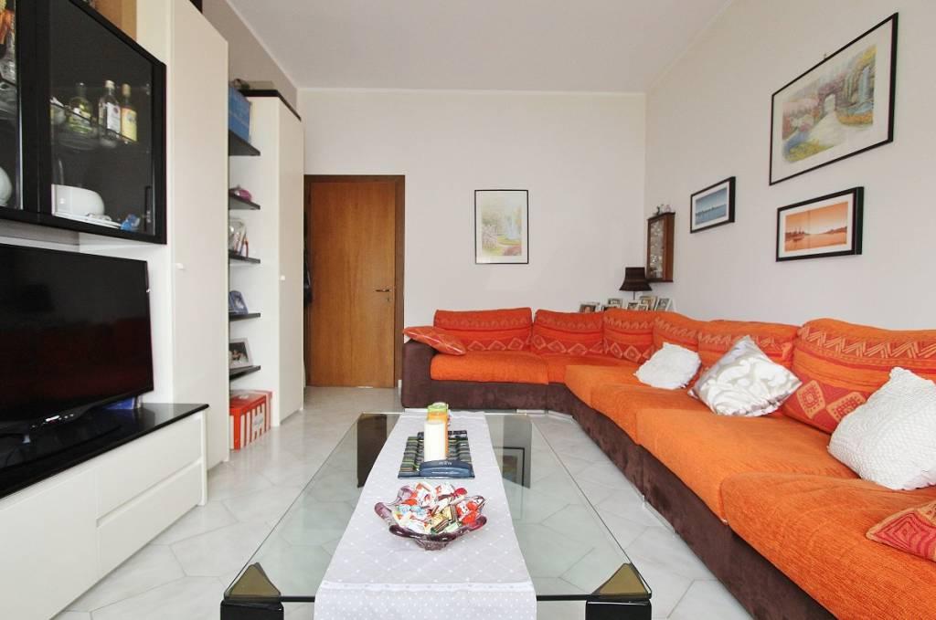 Appartamento in ottime condizioni in vendita Rif. 9243315