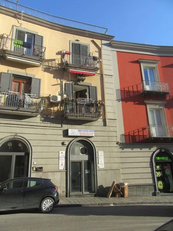 Negozio / Locale in affitto a Pozzuoli, 2 locali, prezzo € 650 | CambioCasa.it