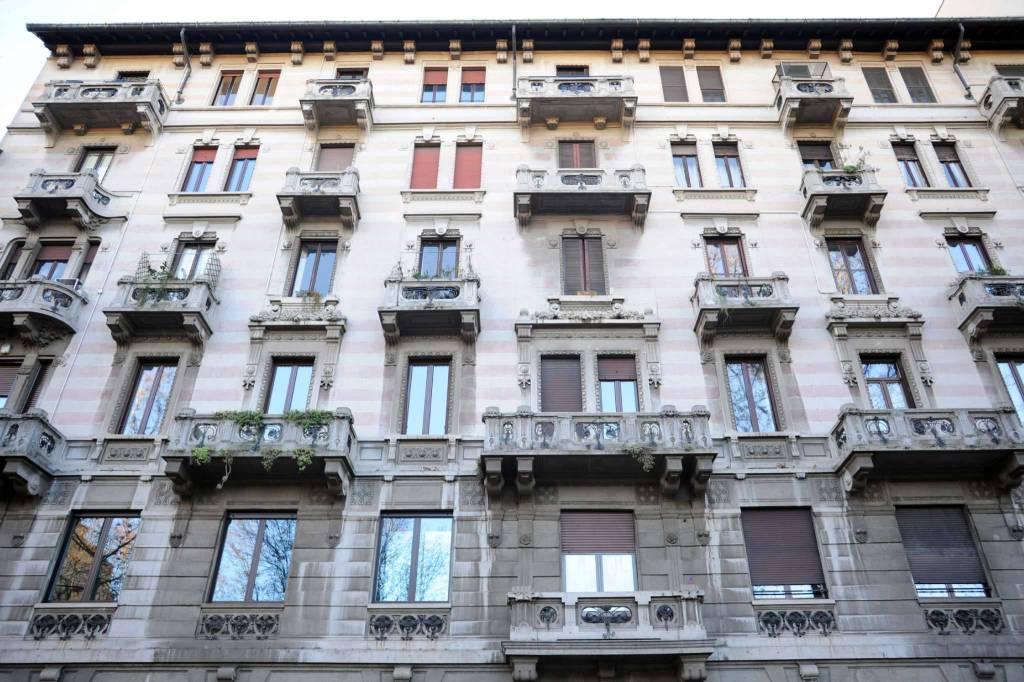 Appartamento in vendita 2 vani 61 mq.  corso LODI Milano