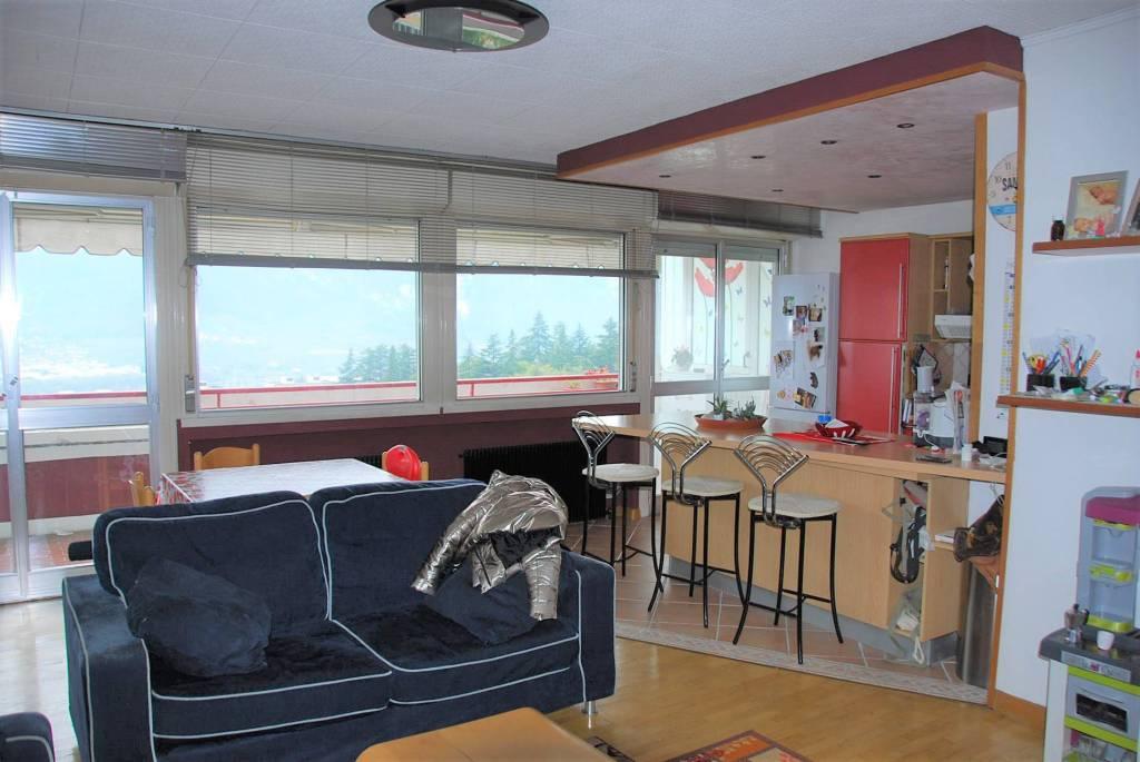 Appartamento in buone condizioni parzialmente arredato in vendita Rif. 9247616