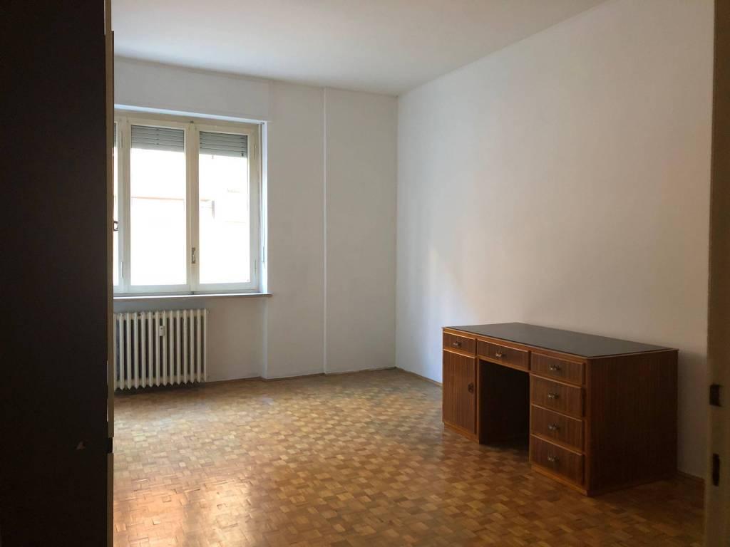 Appartamento in buone condizioni in vendita Rif. 9240759