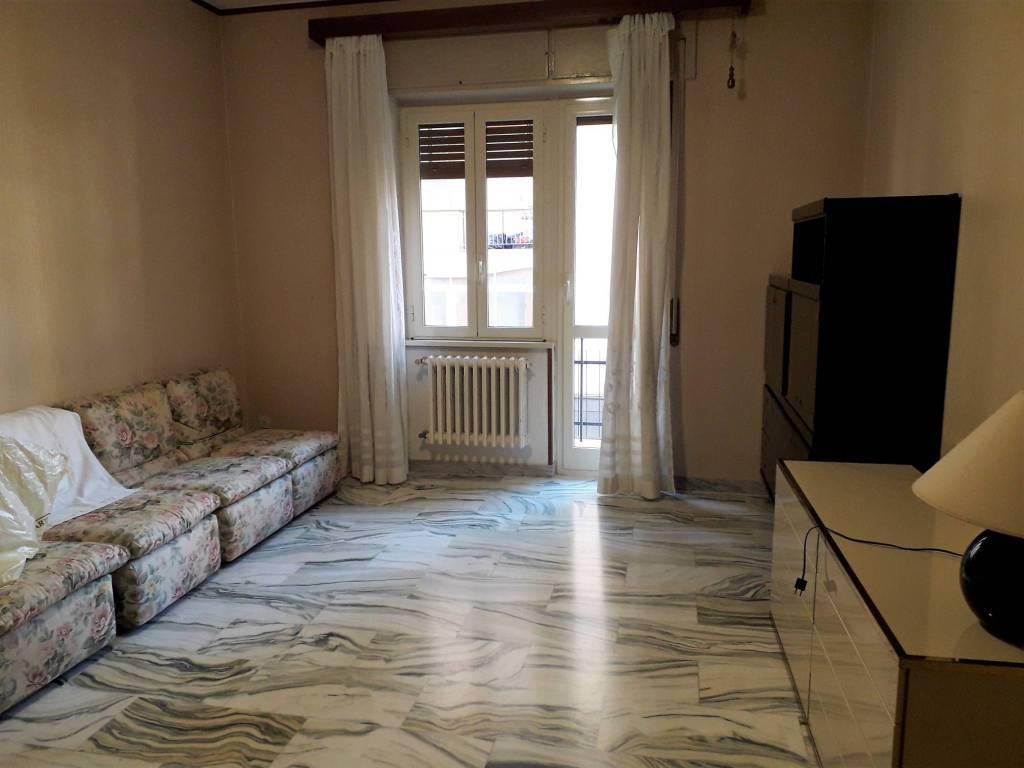 Ampio appartamento con 3 camere arredato zona Cappuccini