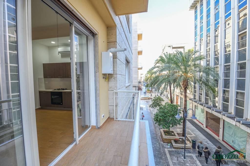 Appartamento in ottime condizioni arredato in affitto Rif. 9303825