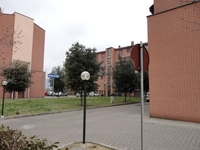 Appartamento in buone condizioni arredato in affitto Rif. 9242313