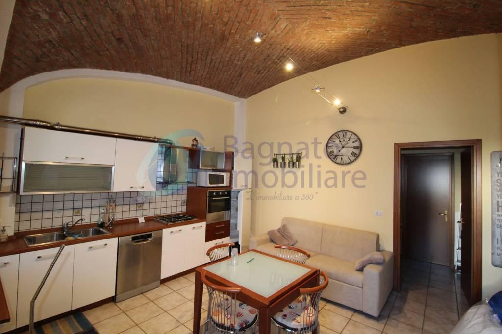 Appartamento in ottime condizioni arredato in affitto Rif. 9241872