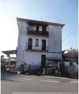 Appartamento in buone condizioni in vendita Rif. 9247573