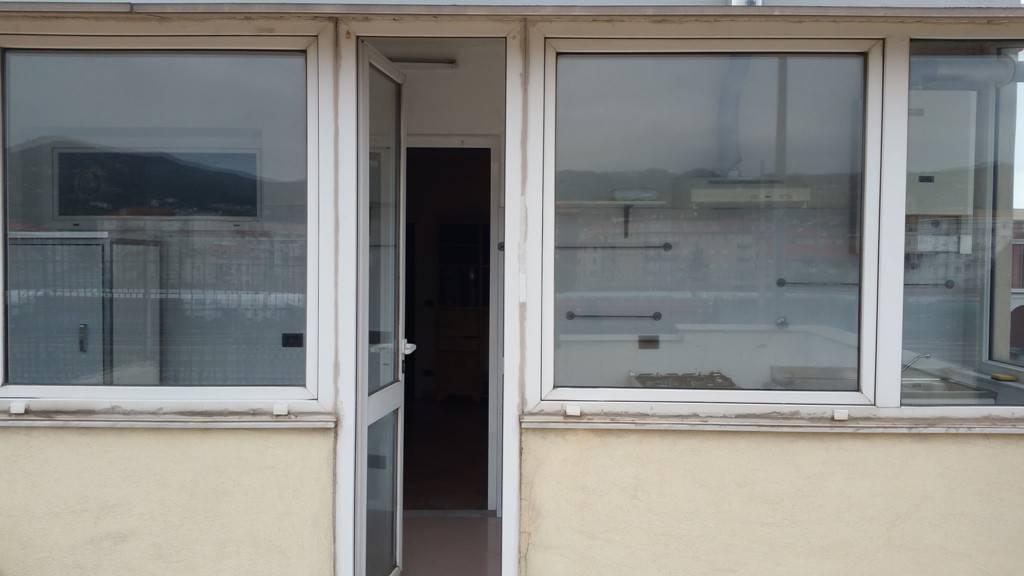 Appartamento in buone condizioni in affitto Rif. 9247357