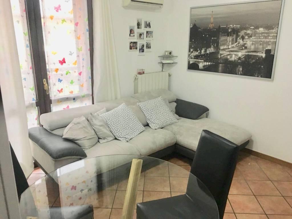 Appartamento in buone condizioni parzialmente arredato in vendita Rif. 9242497