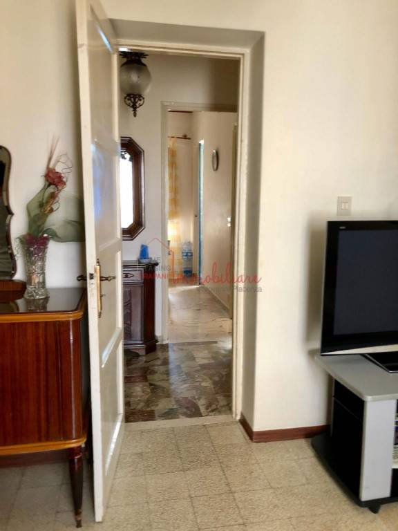 Appartamento in buone condizioni in vendita Rif. 9309836