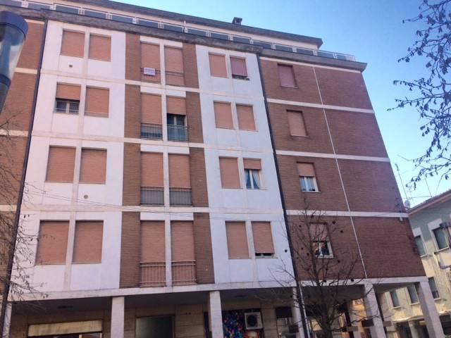 Appartamento da ristrutturare in vendita Rif. 9240443