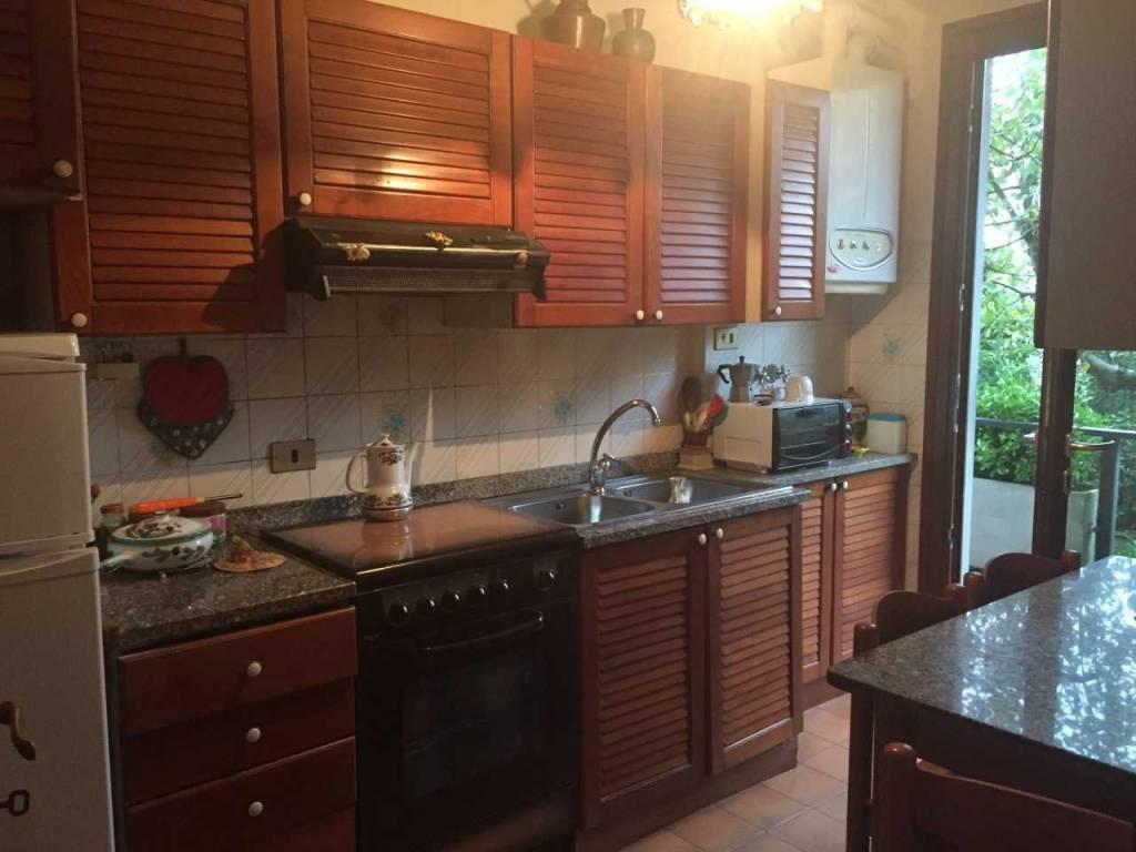 Appartamento in buone condizioni arredato in affitto Rif. 9261358