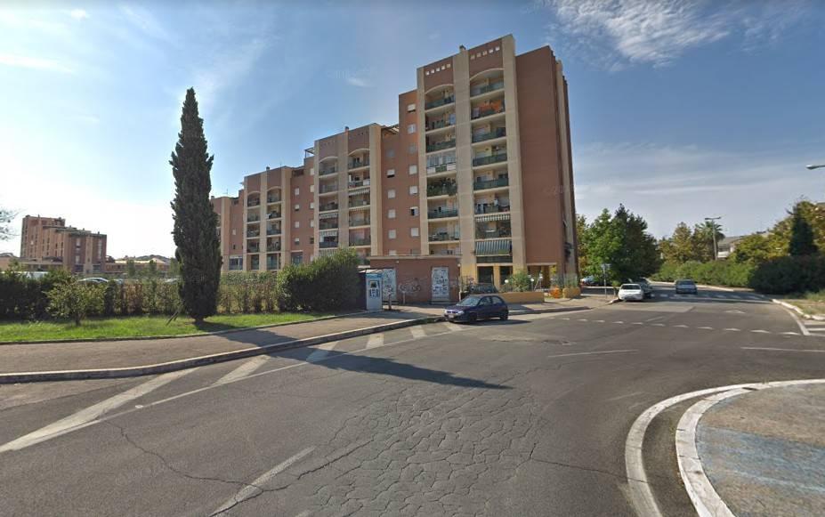 Appartamento in buone condizioni arredato in vendita Rif. 9247130