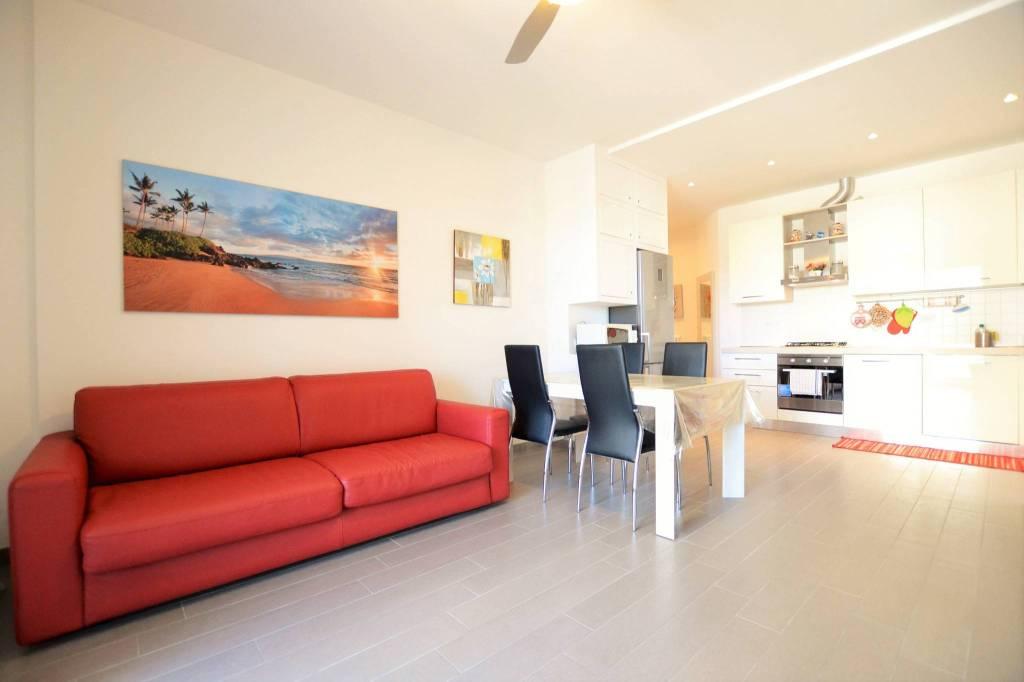 Appartamento in Affitto a Riccione Centro: 3 locali, 80 mq