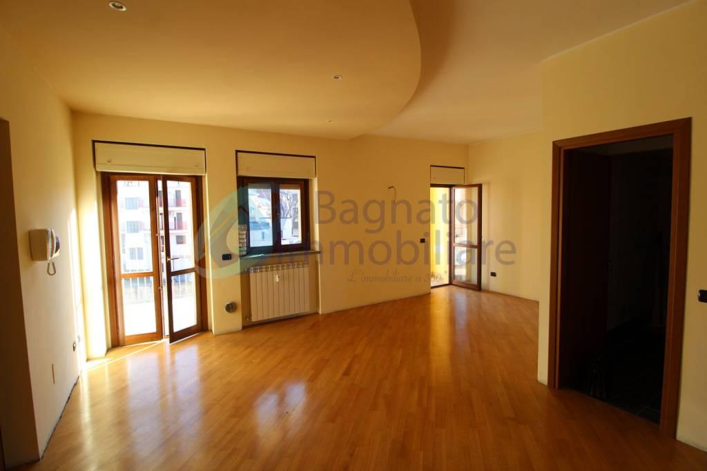 Appartamento in ottime condizioni arredato in affitto Rif. 9241873