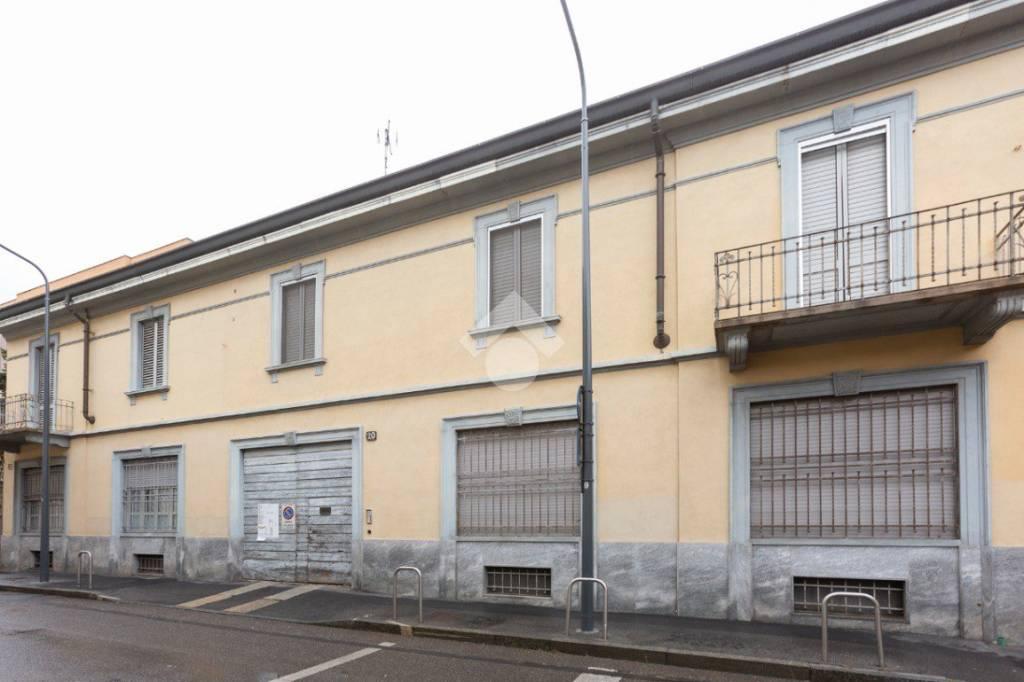 Casa Indipendente in buone condizioni in vendita Rif. 9270570