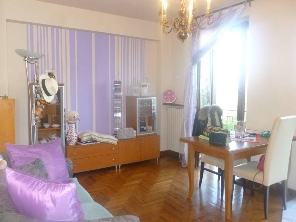 Appartamento in ottime condizioni arredato in affitto Rif. 9244691