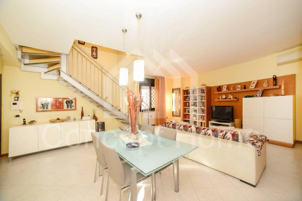 Appartamento in vendita a Roma, 3 locali, zona Zona: 21 . Laurentina, prezzo € 369.000 | CambioCasa.it