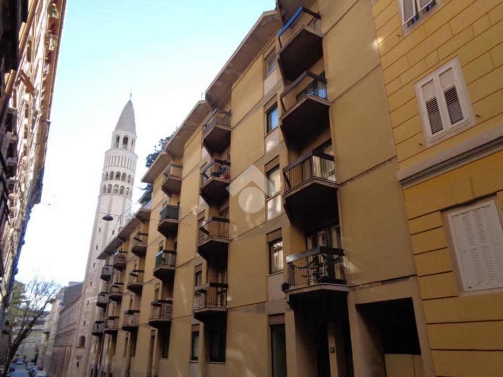 Appartamento in buone condizioni parzialmente arredato in vendita Rif. 9308747