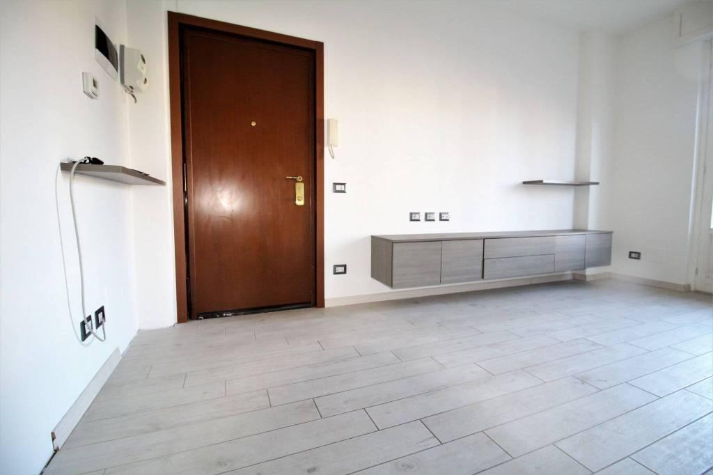 Appartamento in ottime condizioni parzialmente arredato in vendita Rif. 9244572