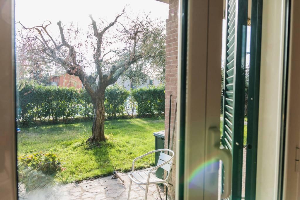Appartamento con giardino in posizione centrale Trevignano R