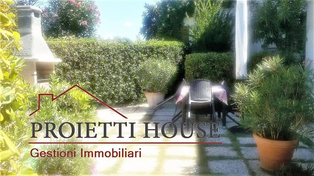 Appartamento in ottime condizioni arredato in affitto Rif. 9198488