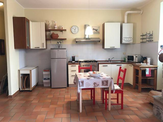 Appartamento in ottime condizioni arredato in affitto Rif. 9244287