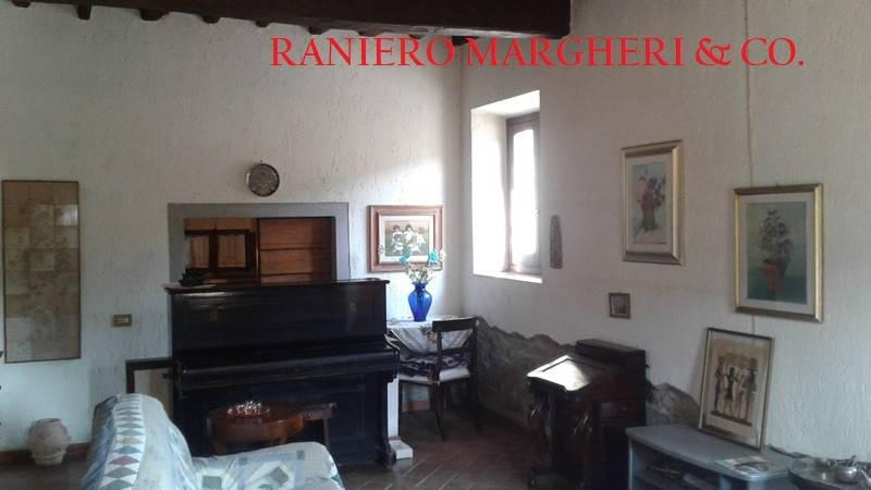 Appartamento in buone condizioni in vendita Rif. 9243371