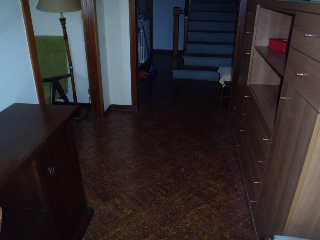 Casa Indipendente in buone condizioni in vendita Rif. 9240175