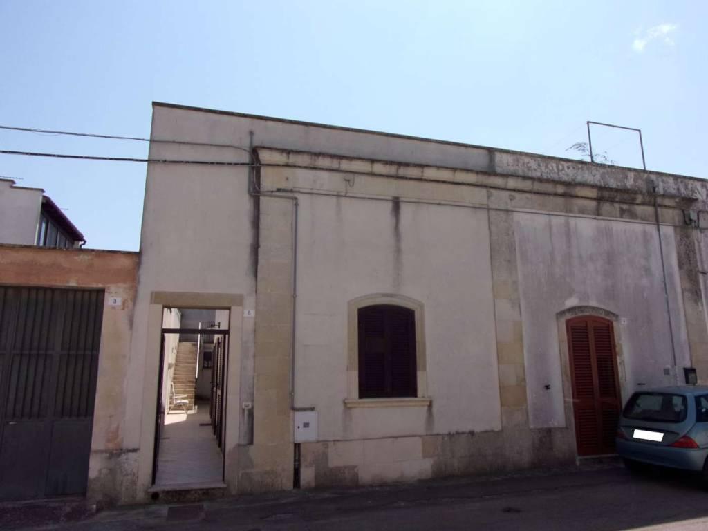 Appartamento in buone condizioni parzialmente arredato in vendita Rif. 9247731