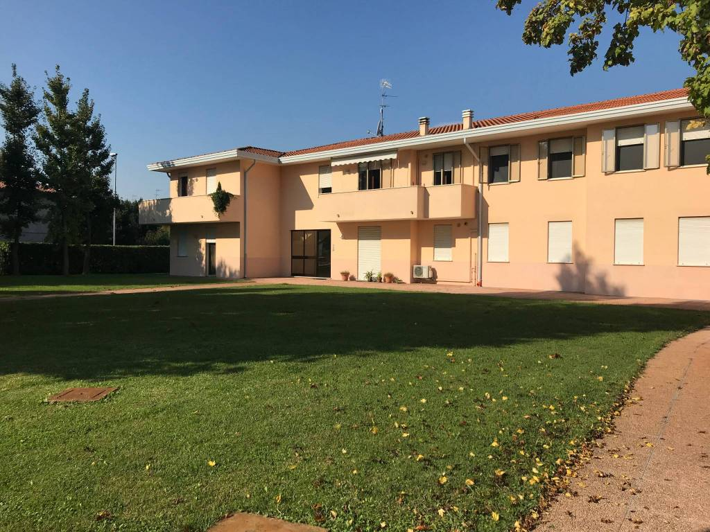 Appartamento Monselice con ampio scoperto condominiale