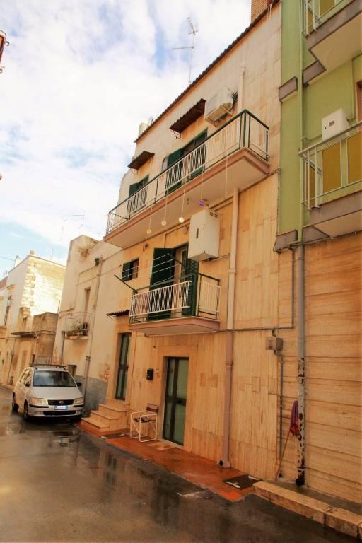 Appartamento da ristrutturare in vendita Rif. 9259036