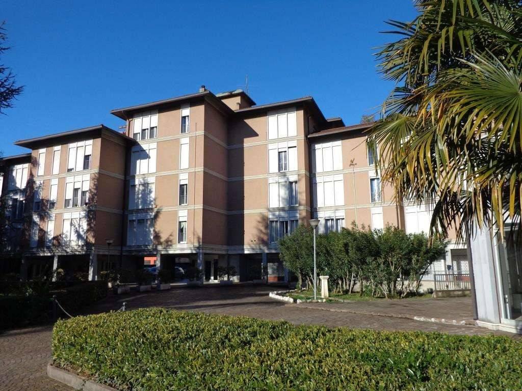Appartamento in buone condizioni in affitto Rif. 9269772