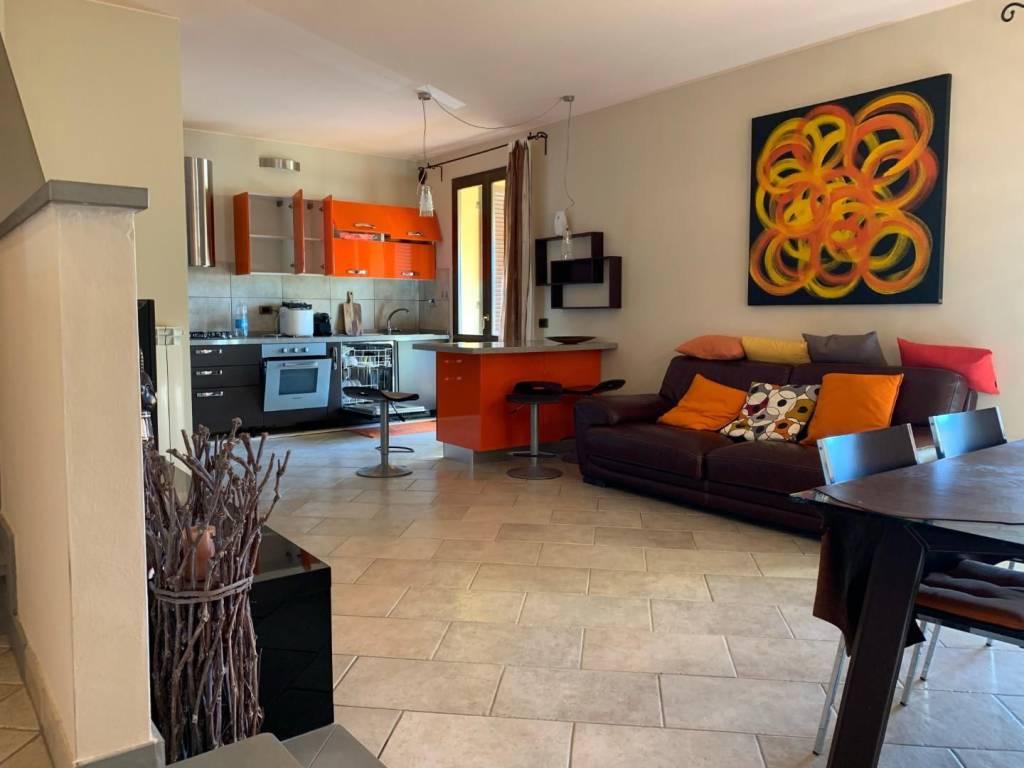 Appartamento in ottime condizioni arredato in affitto Rif. 9256937