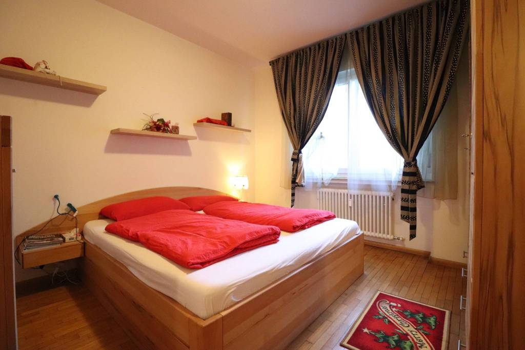 Appartamento in ottime condizioni arredato in vendita Rif. 9260251