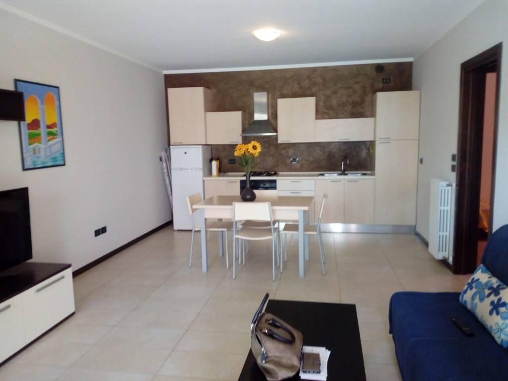 Appartamento in buone condizioni in vendita Rif. 9254619